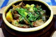 рецепт Тушеное мясо с овощами и грибами