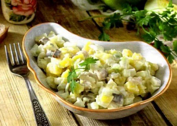 Салат с яблоком яйцом картофелем