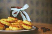 рецепт Простые сырники с манкой