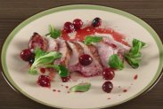 рецепт Индейка с вишневым соусом в аэрогриле