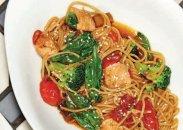 рецепт Паста с лососем и соусом терияки