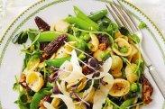 рецепт Паста с грибами и горошком