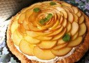 рецепт Яблочный пирог с миндалевим кремом