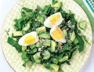 рецепт Салат с авокадо и яйцами