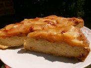 рецепт Песочный пирог с творогом и яблоками