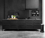 Отличительные черты, плюсы и минусы кухонной мебели черного цвета