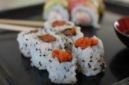 рецепт Суши роллы с лососем острым